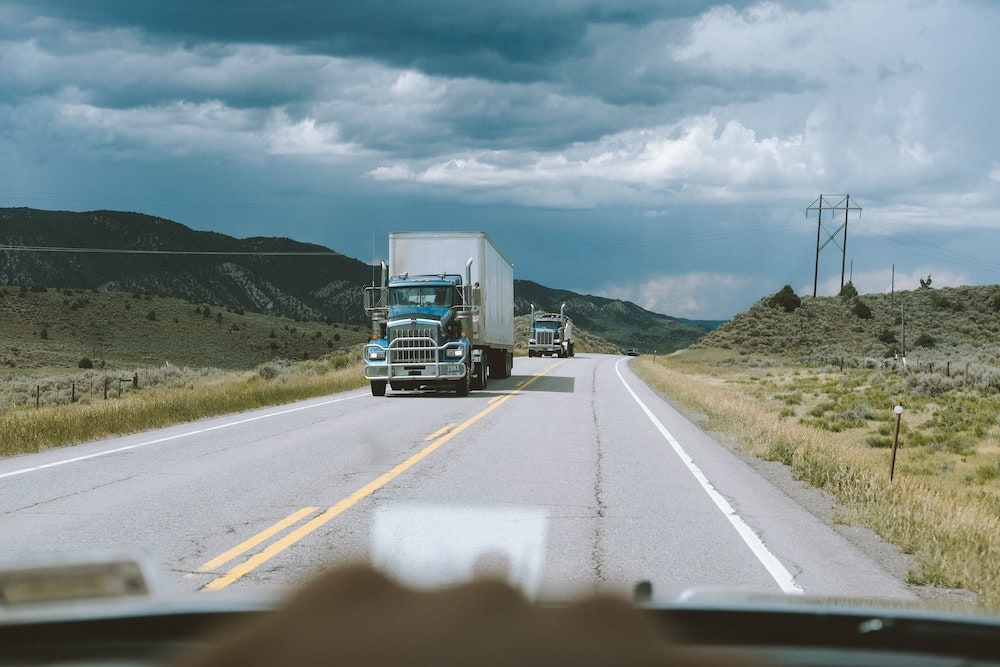 How to have a successful relationship with a trucker