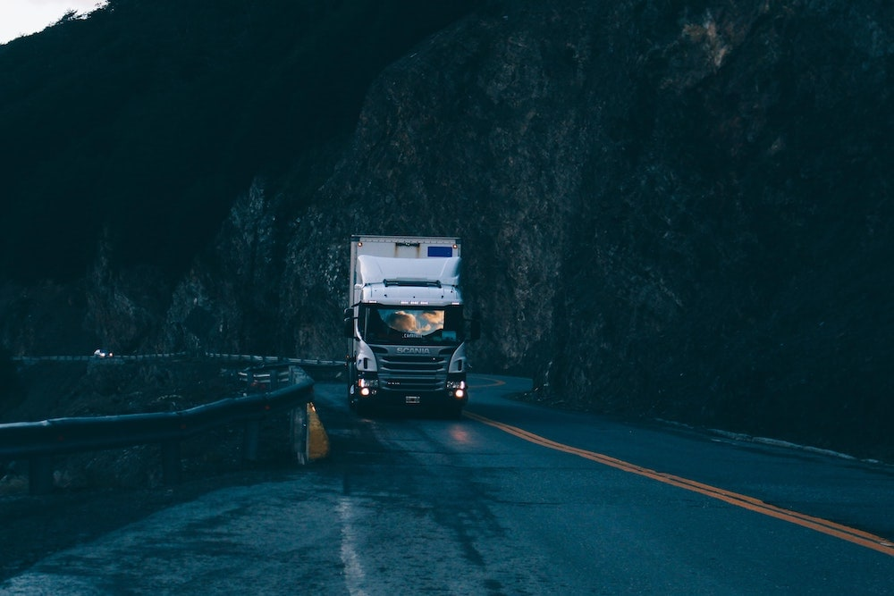 Pros and cons ofdating a truck driver